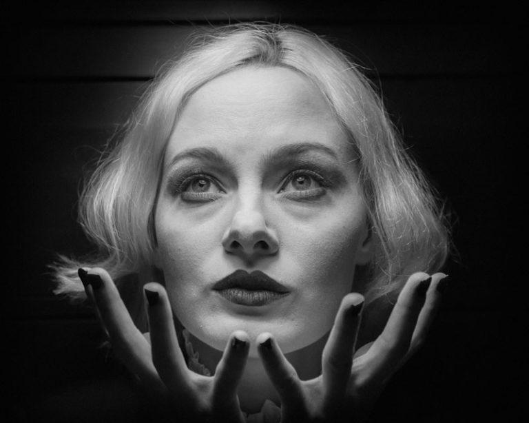 Adrianna Szymańska jako Marlene Dietrich